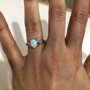 Sterling silver ring with Opal stone size 6